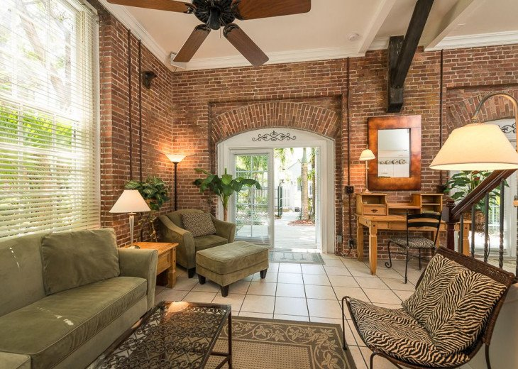 Truman Annex - ' Island Queen' End Unit Villa is One-of-a-Kind! #3