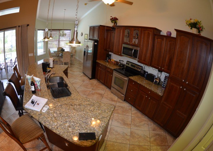 LARGE OPEN KITCHEN, Granite Counter tops, Breakfast bar