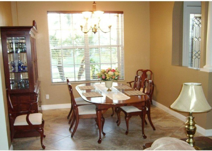 DINING ROOM, TABLE & CHAIRS FOR 8 People