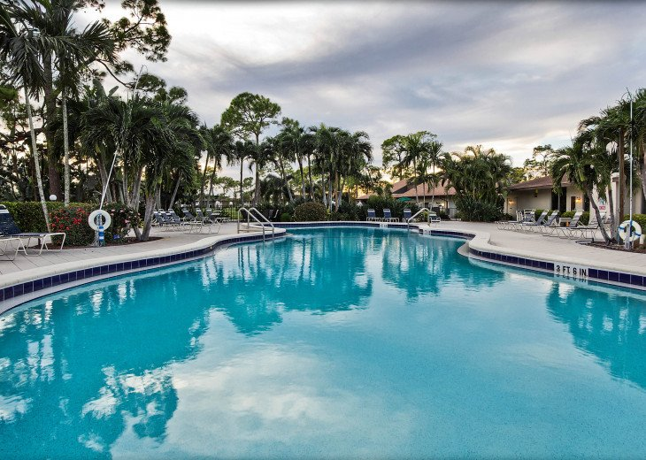 Beautiful, Bright and Clean Golf Course Condo with water feature view. #15