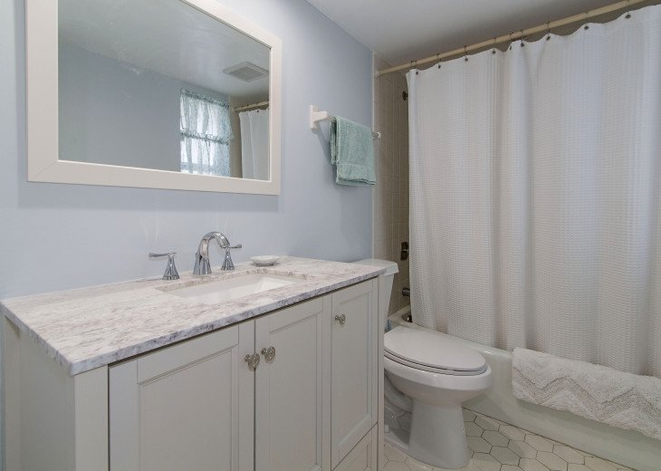 Beautiful, Bright and Clean Golf Course Condo with water feature view. #4