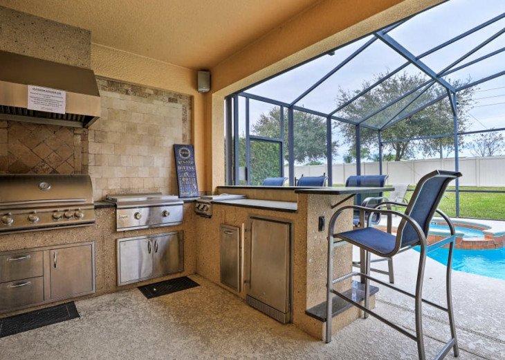 "Luxury Villa, 6 Bdrooms 6 Bth, Outdoor Kitchen, 65"" Poolside TV, Close to Disney #9"