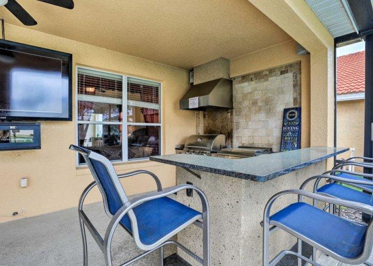 "Luxury Villa, 6 Bdrooms 6 Bth, Outdoor Kitchen, 65"" Poolside TV, Close to Disney #7"