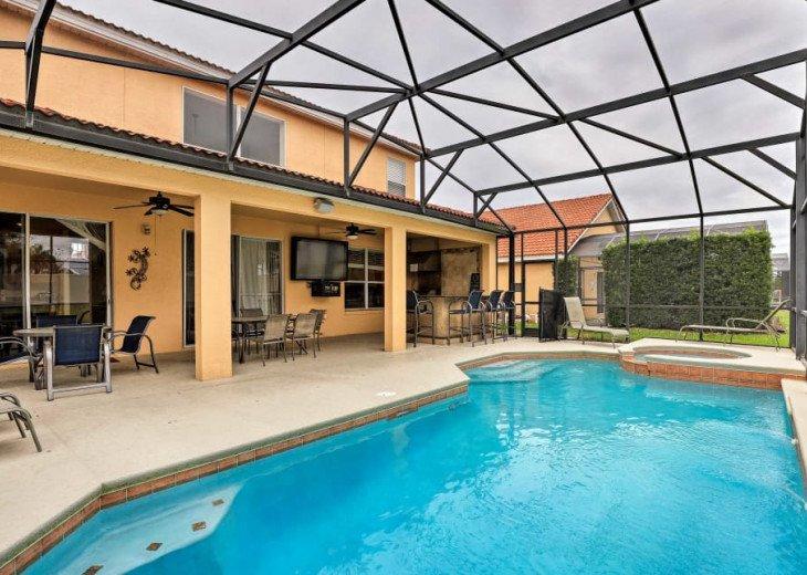 "Luxury Villa, 6 Bdrooms 6 Bth, Outdoor Kitchen, 65"" Poolside TV, Close to Disney #1"