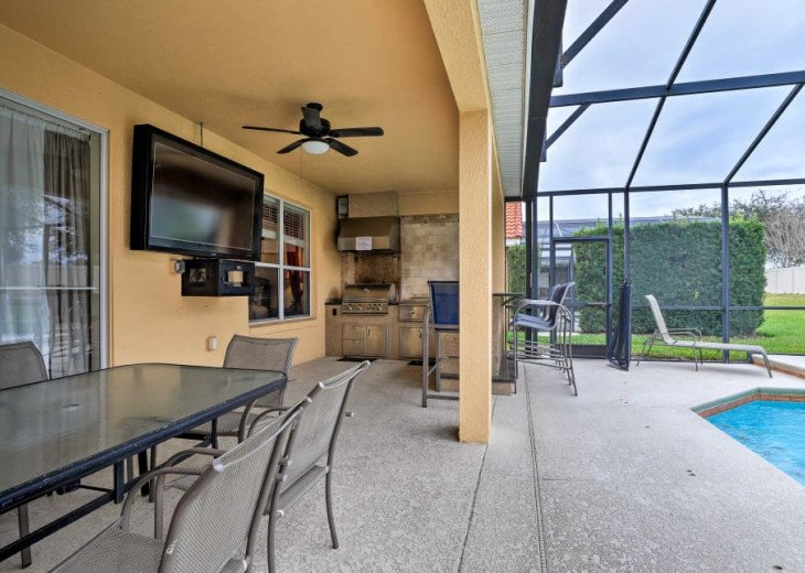 "Luxury Villa, 6 Bdrooms 6 Bth, Outdoor Kitchen, 65"" Poolside TV, Close to Disney #4"