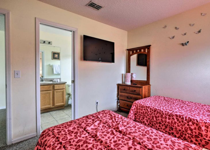"Luxury Villa, 6 Bdrooms 6 Bth, Outdoor Kitchen, 65"" Poolside TV, Close to Disney #36"