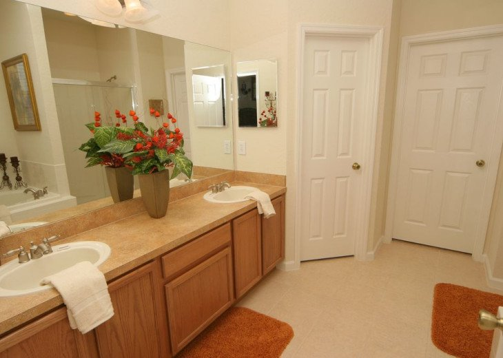 Huge 6 Bed / 5 Bath Luxury Disney Vacation Rental Home, Kissimmee, FL. #9