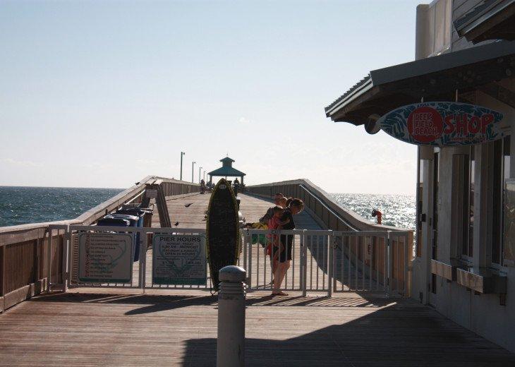Beachside PH North Ocean Blvd. Ocean 100 Ft. #37