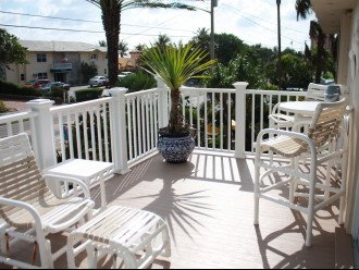 Beachside Ph furnished front balcony inundated with Ocean breezes