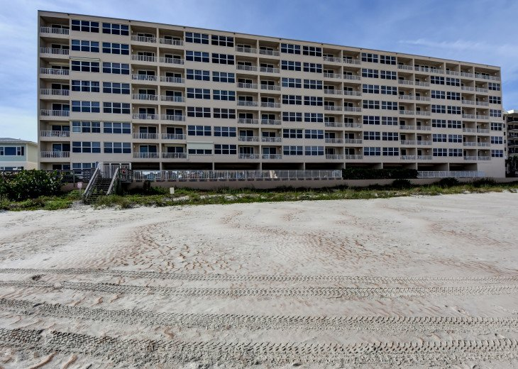 Beachside view of Southpoint