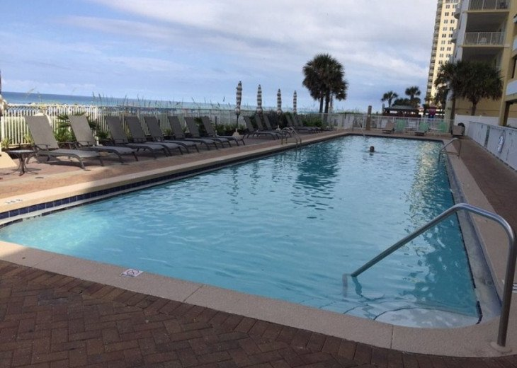 BEGIN YOUR DAY AT TWIN PALMS RESORT IN PANAMA CITY BEACH #9