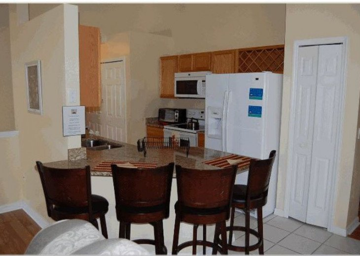 10 Min From Disney,wi-fi,netflix, gas heated private pool,2 masterbed, sleeps 8 #10