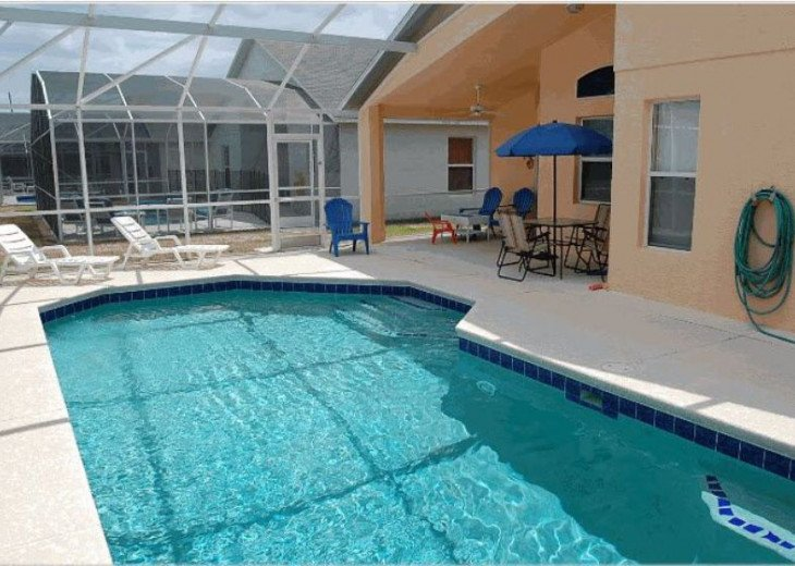 10 Min From Disney,wi-fi,netflix, gas heated private pool,2 masterbed, sleeps 8 #4
