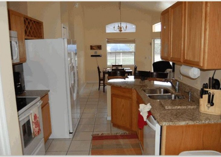 10 Min From Disney,wi-fi,netflix, gas heated private pool,2 masterbed, sleeps 8 #5