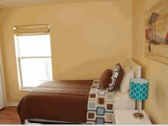 10 Min From Disney,wi-fi,netflix, gas heated private pool,2 masterbed, sleeps 8 #1