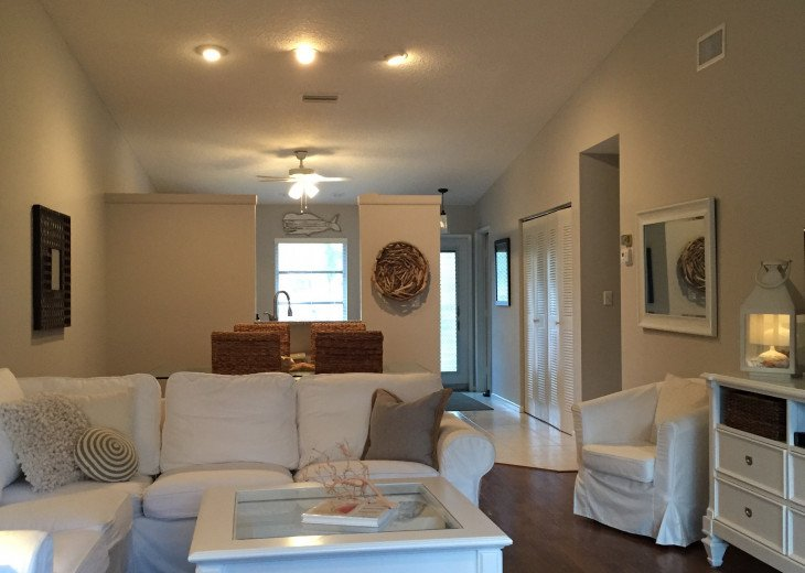 Updated, Beautiful, Clean 2 Bedroom #4