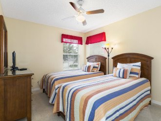 Twin room, TV/DVD, Cable, ceiling fan, closet