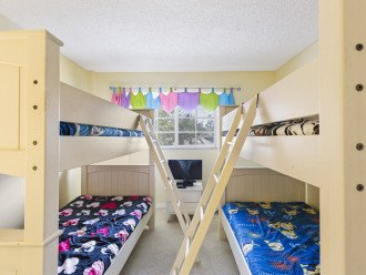 X2 sets of bunk beds, sleeps 4 under the age of 14, TV/DVD, closet