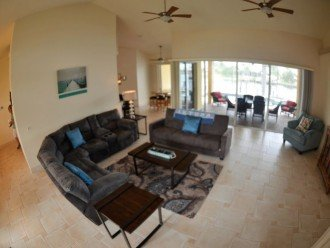 LARGE OPEN LIVING ROOM , 55 INCH LCD-TV , 1 QUEEN SOFA BED