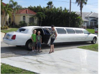 We offer our guest ONE WAY FREE AIR PORT PICK UP