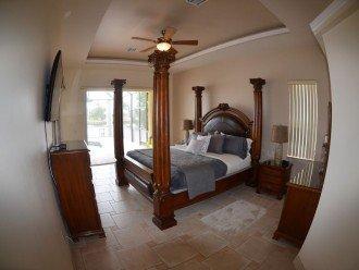 MASTER BEDROOM # 1 , 1 KING BED, 50 Inch LCD-TV , SLIDING DOORS TO POOL DECK