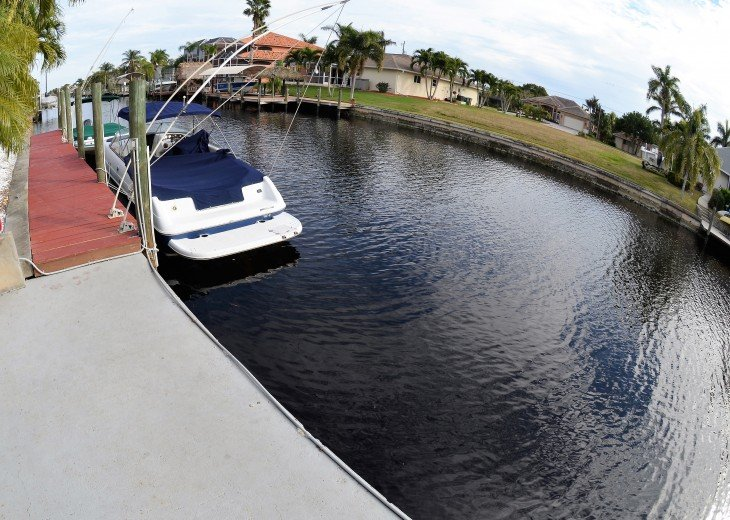 SAIL BOATS ACCESS CANAL, Boat Available to rent to low price