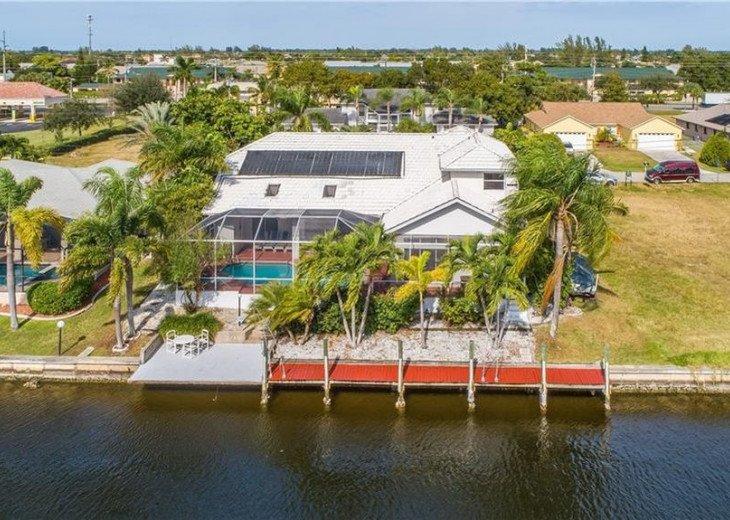SEASIDE VIEW OF 5 B, 4 B Direct Gulf access Villa GRANDEE