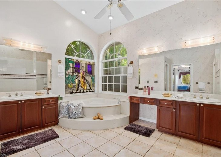MASTER BATHROOM , Jetted Tub & Walk in shower, his & hers Vanities