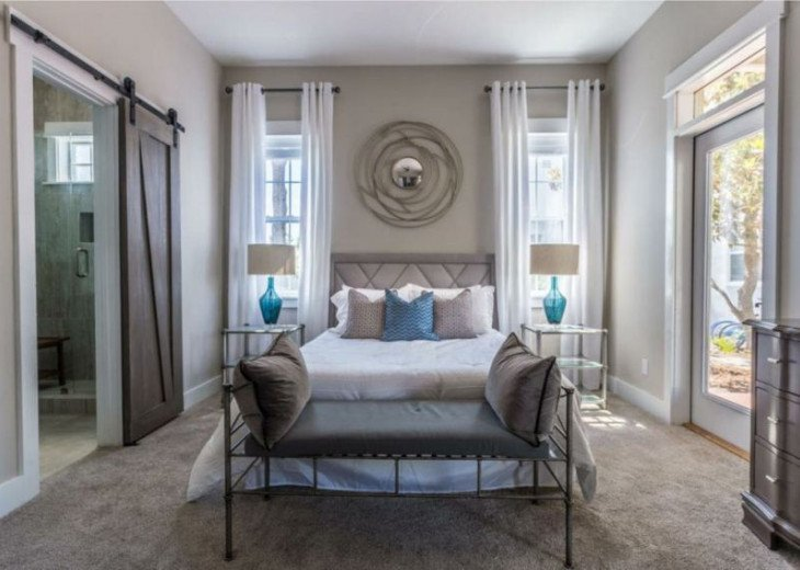 Beautiful Master Bedroom with New King bed and mattress. Balcony first floor.