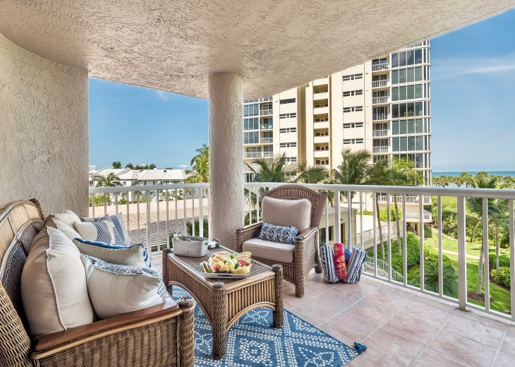 Nov Sale!! Oceanfront Naples Condo • Sleeps 6 • from $150nt #10