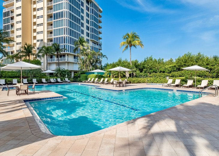 Nov Sale!! Oceanfront Naples Condo • Sleeps 6 • from $150nt #33