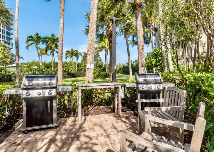 Nov Sale!! Oceanfront Naples Condo • Sleeps 6 • from $150nt #35
