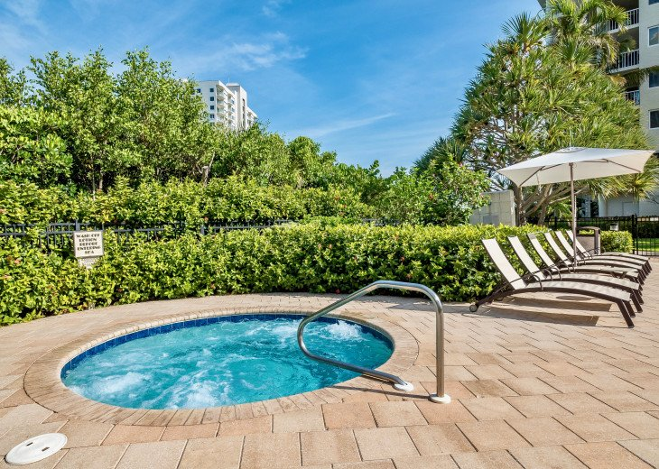 Nov Sale!! Oceanfront Naples Condo • Sleeps 6 • from $150nt #31