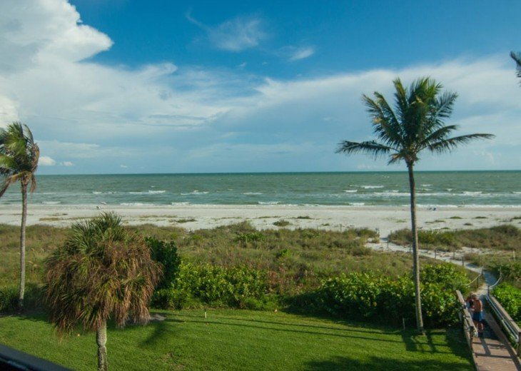 Gulf Front Condo, 25 ft to Beach, Free Bikes #2