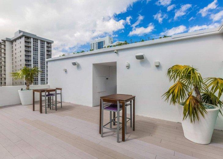 Modern Boutique W/Balcony, Rooftop Pool & Terrace #20