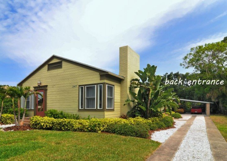 Pet Friendly (Old Florida) Bayside Neighborhood - Vintage Pool Home w/Cottage #2