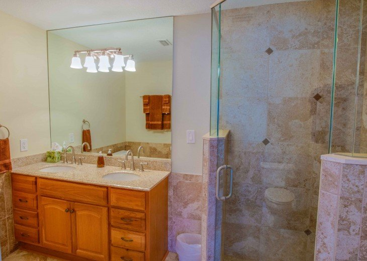 Master Bath Is Really Nice CLEAN