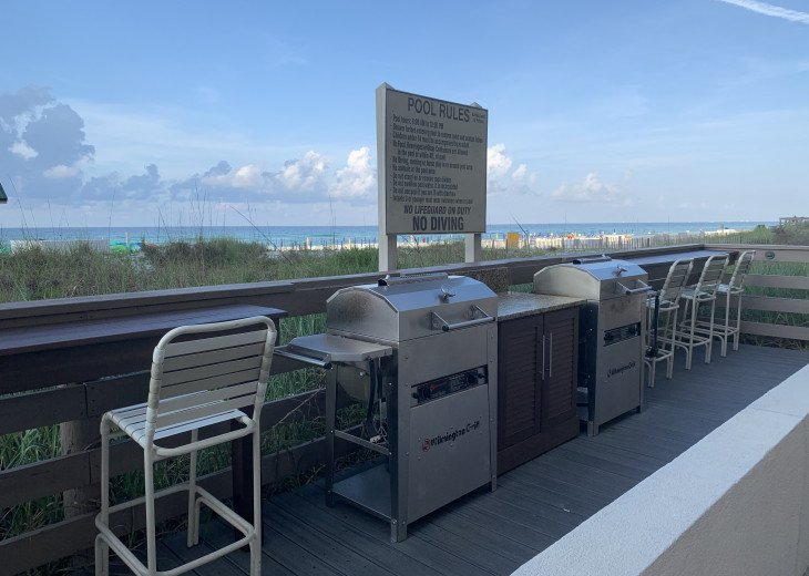 Complimentary Grills over looking the emerald waters