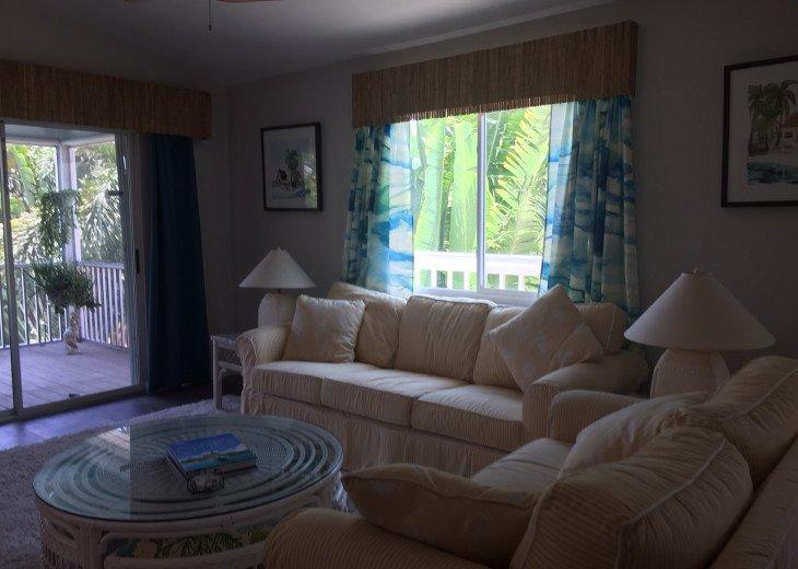 Livingroom - alt view