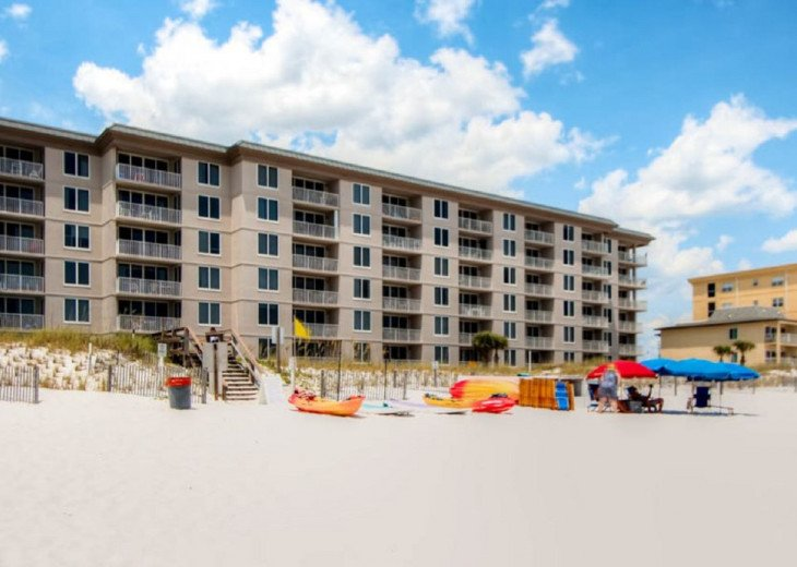 DISCOUNT Jan. 2020 Book for a Fabulous Oceanfront 3 Bedroom, 3 Baths Condo #42