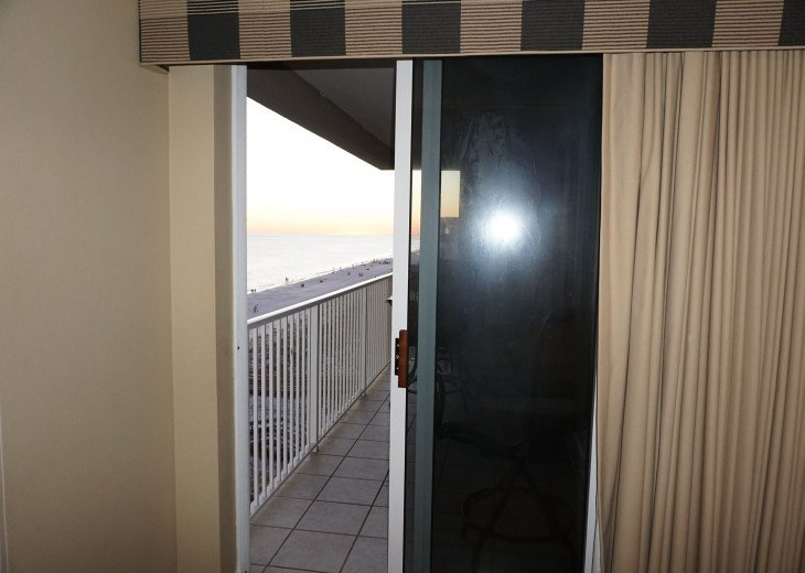 DISCOUNT Jan. 2020 Book for a Fabulous Oceanfront 3 Bedroom, 3 Baths Condo #9