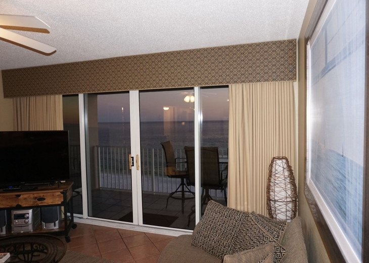 DISCOUNT Jan. 2020 Book for a Fabulous Oceanfront 3 Bedroom, 3 Baths Condo #13