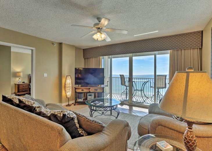 DISCOUNT Jan. 2020 Book for a Fabulous Oceanfront 3 Bedroom, 3 Baths Condo #62