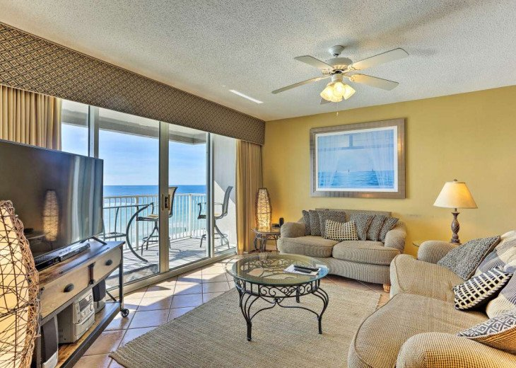 DISCOUNT Jan. 2020 Book for a Fabulous Oceanfront 3 Bedroom, 3 Baths Condo #59