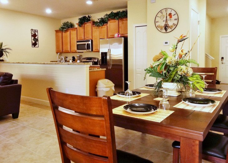 Gated Resort, Spacious Town-home with pool and fancy club Paradise Palms Resort #3