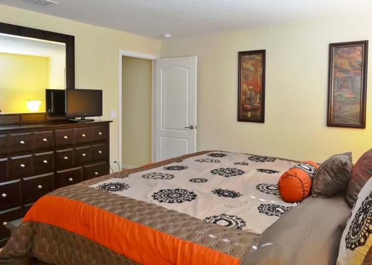 Gated Resort, Spacious Town-home with pool and fancy club Paradise Palms Resort #6