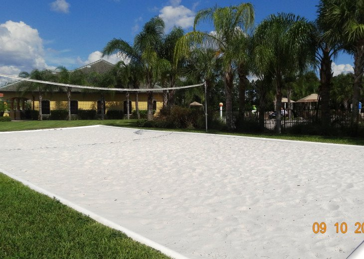 Gated Resort, Spacious Town-home with pool and fancy club Paradise Palms Resort #26