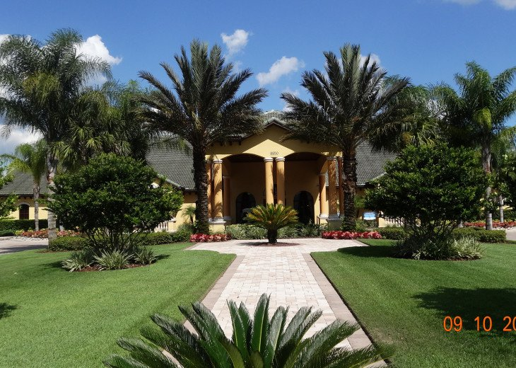 Gated Resort, Spacious Town-home with pool and fancy club Paradise Palms Resort #25