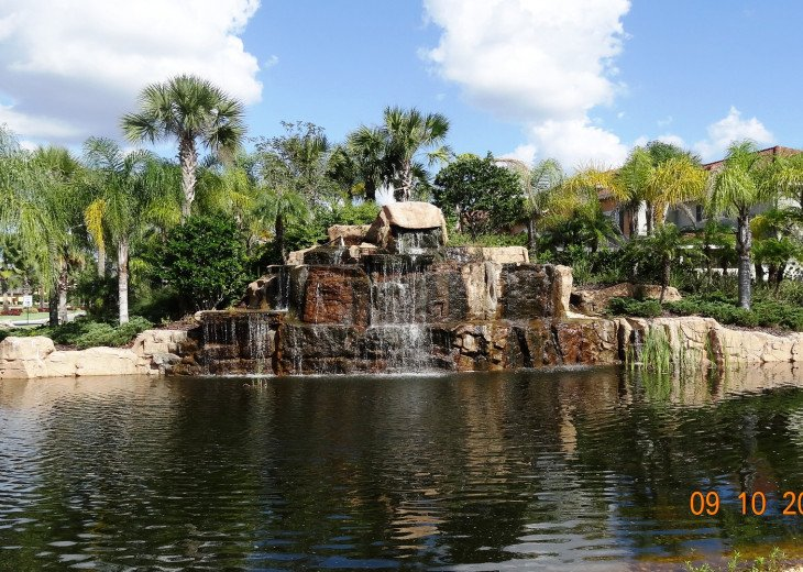 Gated Resort, Spacious Town-home with pool and fancy club Paradise Palms Resort #24