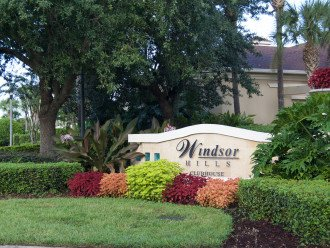Luxury Windsor Hills home: 10 minutes to Disney and steps to the waterpark ! #1